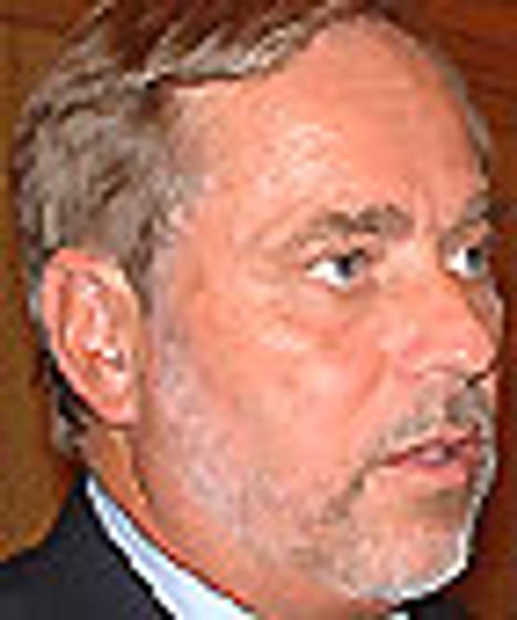 Jan Petersen valgkampdebatt 20. august 2003 Foto: Berit Almendingen