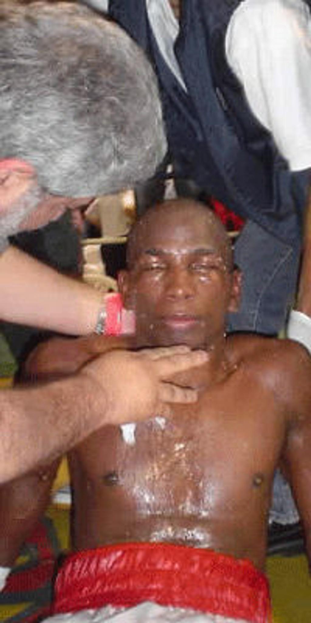 Carlos Meza døde etter å ha gått på en knock out i bokseringen.