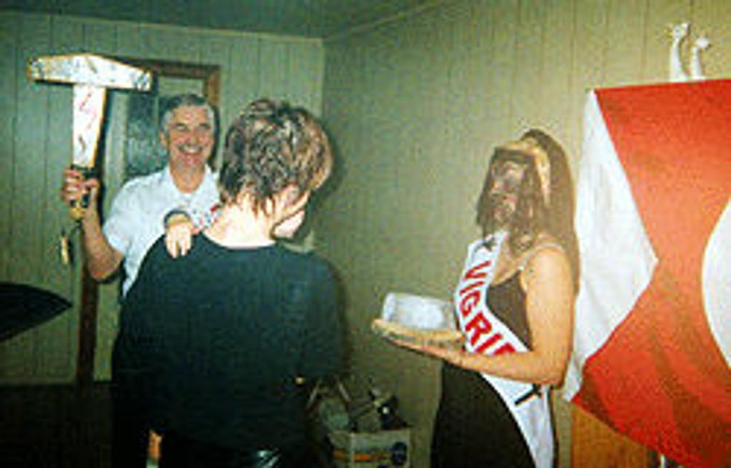 Tore Tvedt fotografert under en Vigrid-dåp.