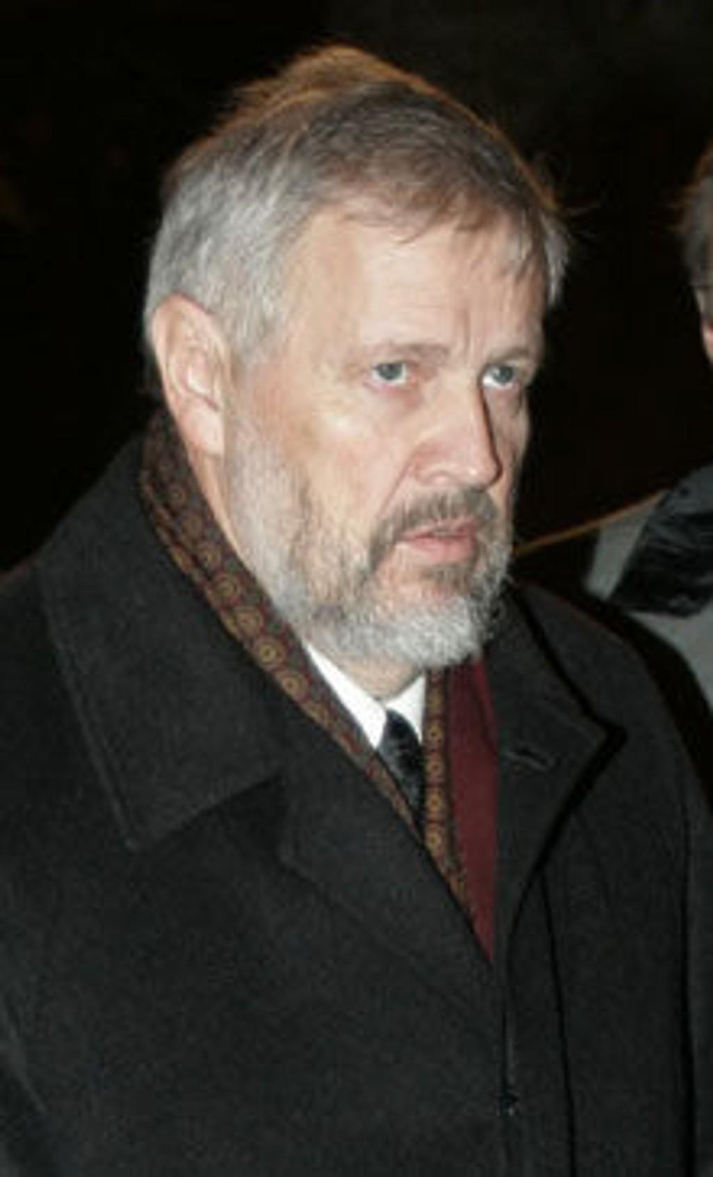 John Lilletun under åpning av Hundreårsmarkeringen for oppløsningen av unionen i Drammen Teater 5. februar 2005.