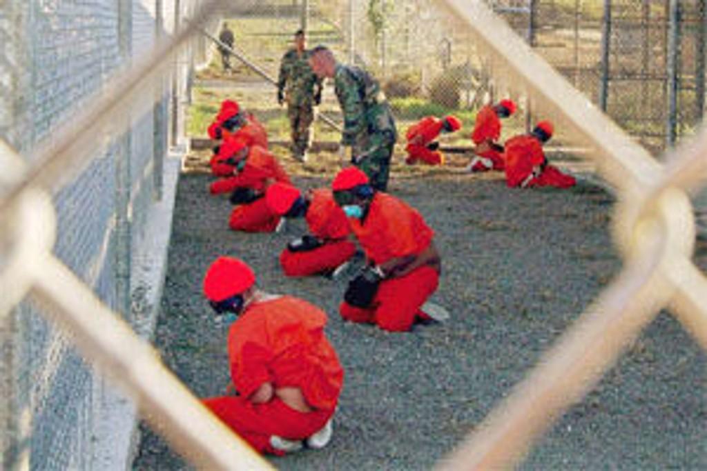 Et arkivbilde av fangene på Guantanamo-basen.