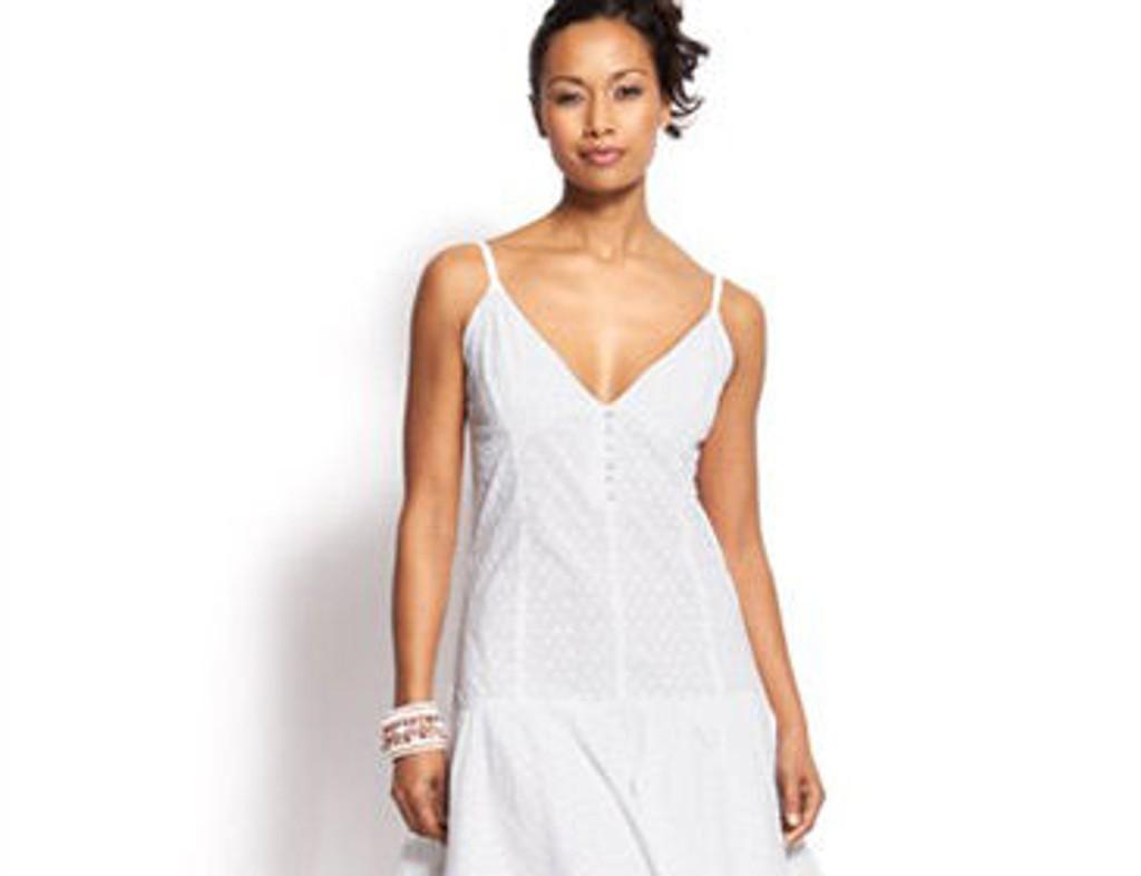 Hvit kjole fra Asos.com, 285 kroner.