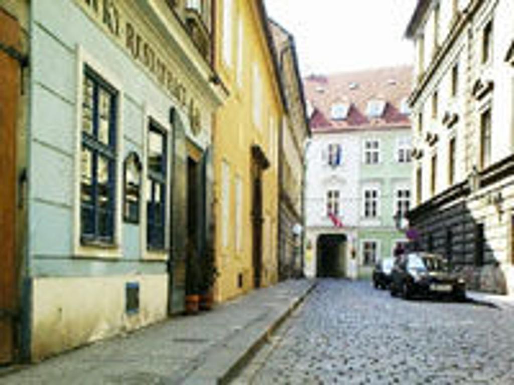 Norges ambassade i Praha, Tsjekkia, Mala Strana, Hellichova