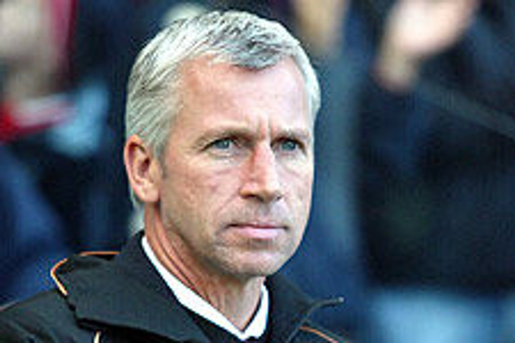 Tøff tid for Charlton-manager Alan Pardew.