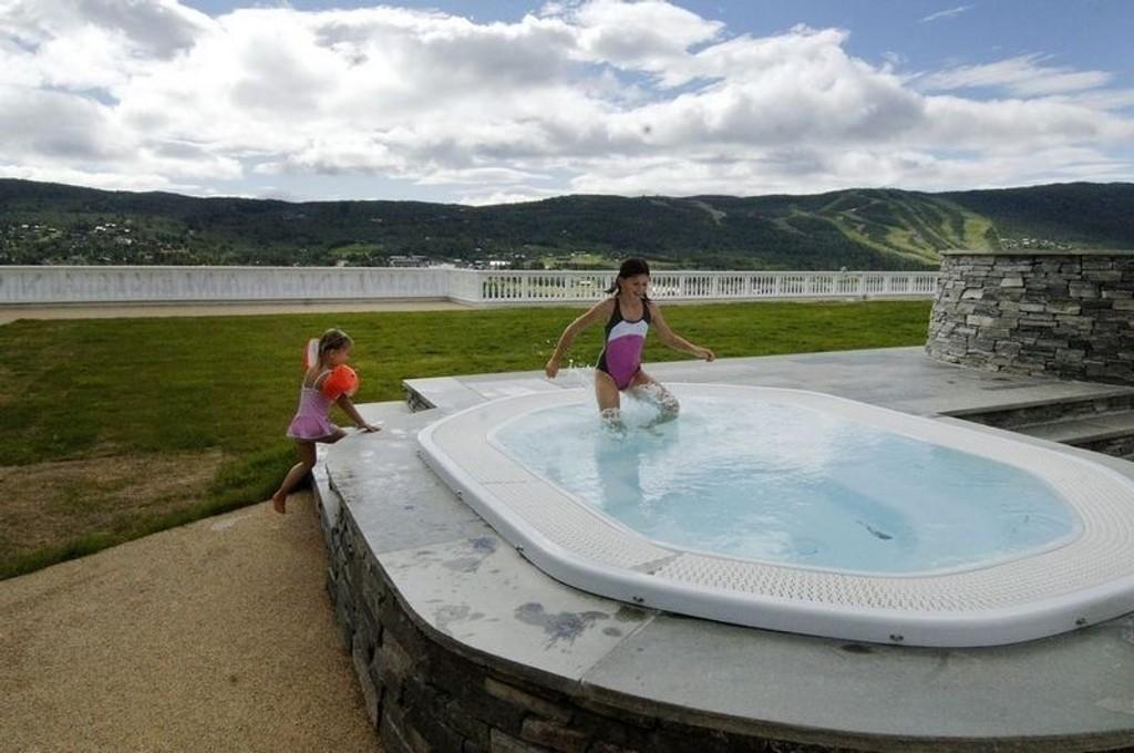REN NATUR: Dr. Holms på Geilo er ett av hotellene som kan tilby boblebad med utsikt over mer enn hvite flisvegger og andre spa-gjester.