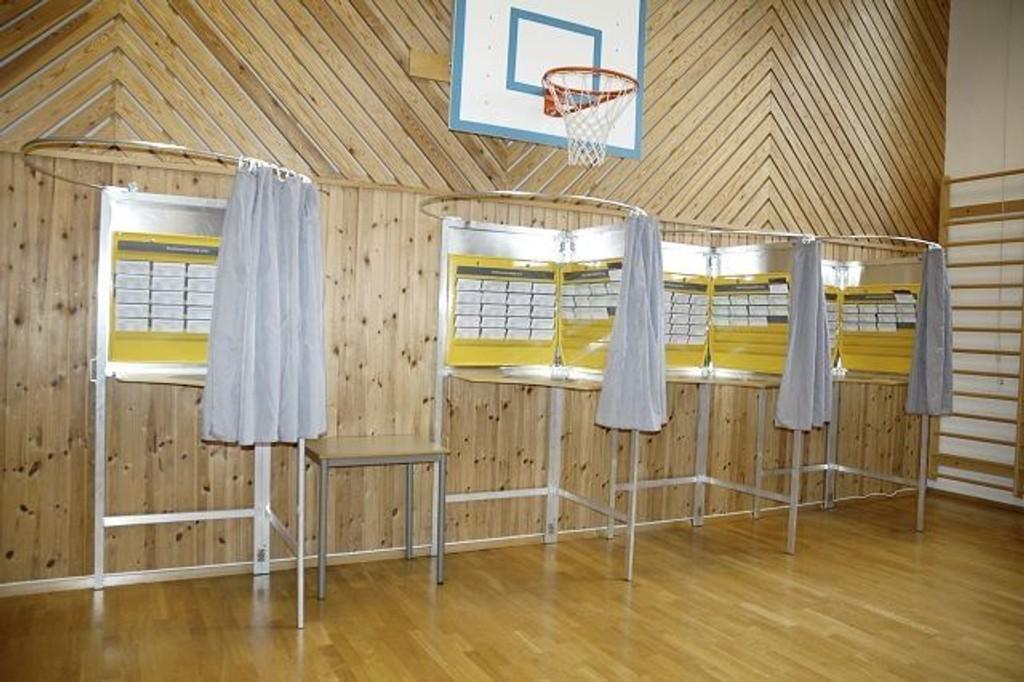 Stemmefusk: Et forsøk på valgfusk ble oppdaget i et valglokale på Søndre Nordstrand. Det skal ha vært forsøkt å smugle ferdig kryssete lister for SV inn i avlukkene.  Illustrasjonsfoto: Maren Bleskestad