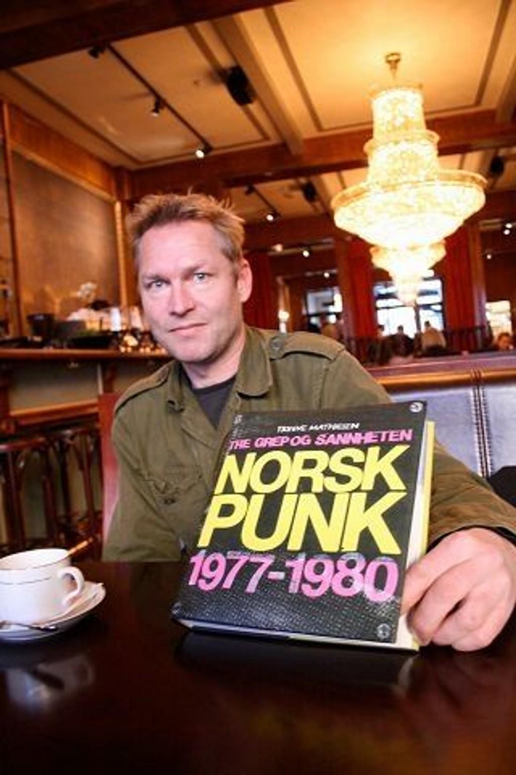 Trygve Mathiesen har skrevet historien om punk i Norge.