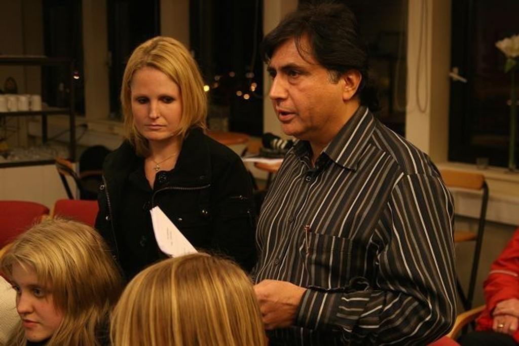 Bydelsmøtet ble ingen opptur for fysioterapeut Raj Narula.