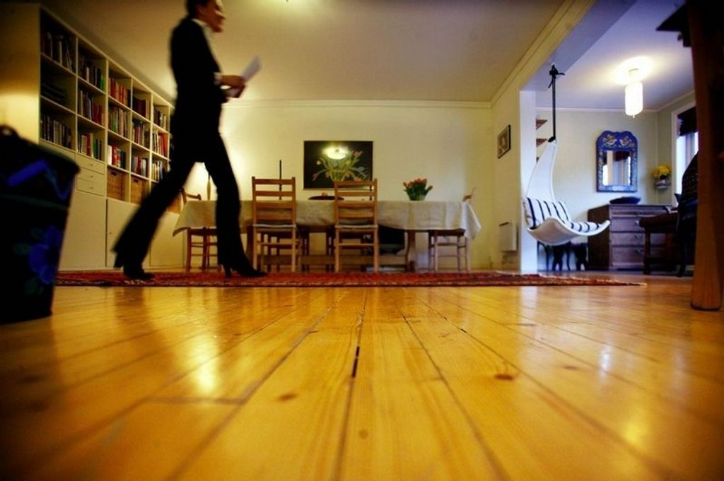MYE INNE: De fleste tilbringer 90 prosent av tiden sin innendørs. Mesteparten av denne tiden tilbringes i vårt eget hjem. Derfor kan det være lurt å ta noen grep for et bedre inneklima før du stenger januarkulda ute.