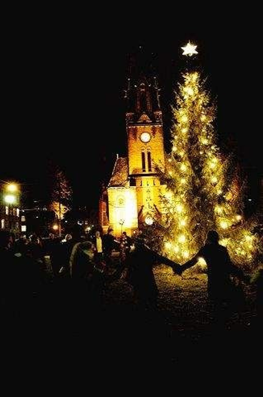 Det blir juletregang, sang og kanskje nissebesøk i byens kirker over nyttår.
