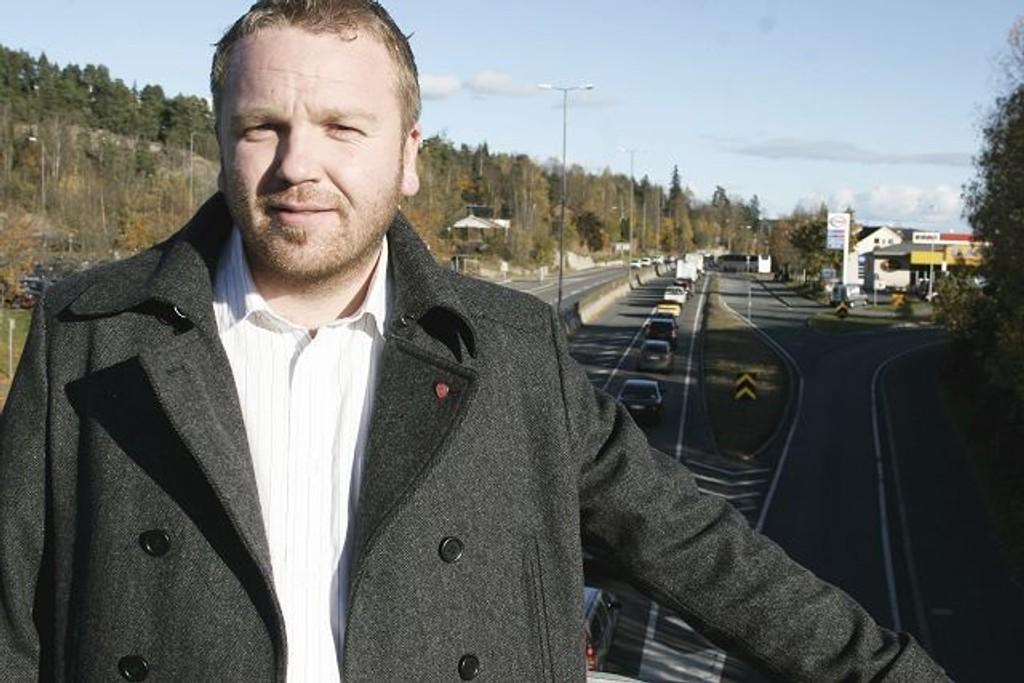 BU-leder Anders Røberg-Larsen (Ap) misliker sterkt at vegvesenet slår en strek over miljølokket.