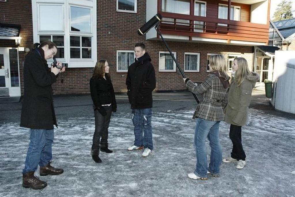 Kaldbakkenelever lager positiv film om Holmlia.