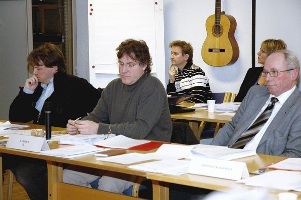 BUs nestleder Ulf Stigen, leder Sigbjørn Odden og bydelsdirektør Per Johannessen har grunn til å håpe at 2009 blir bedre økonomisk.