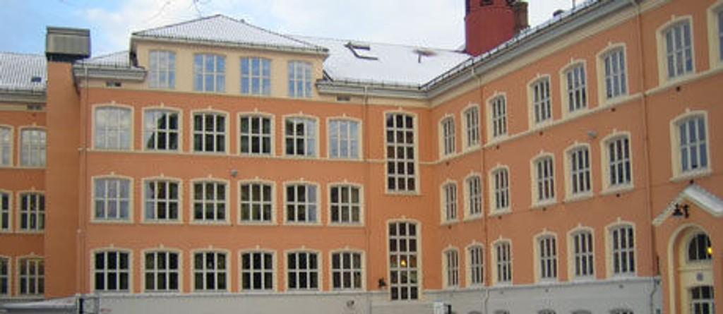 ERVERDIG SKOLE: Her på Tøyen skole har det blitt drevet skole siden 1882. Skolen ble pusset opp i 2001 og fremstår i dag som et flott sted for læring.