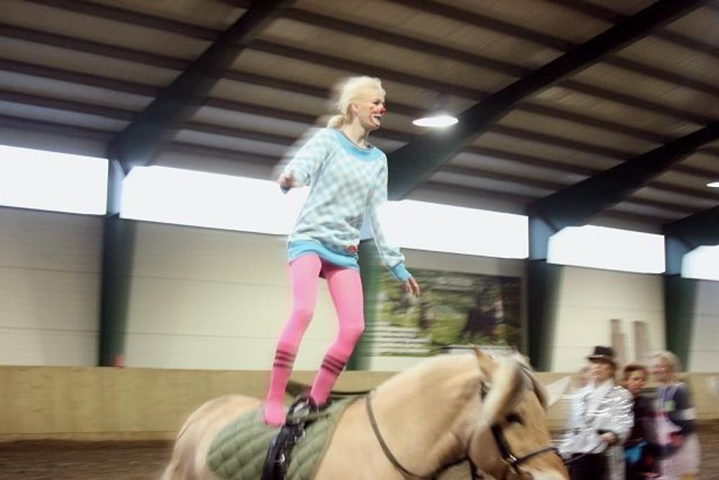 Du skal ha tungen rett i munnen når du turner på hesteryggen.