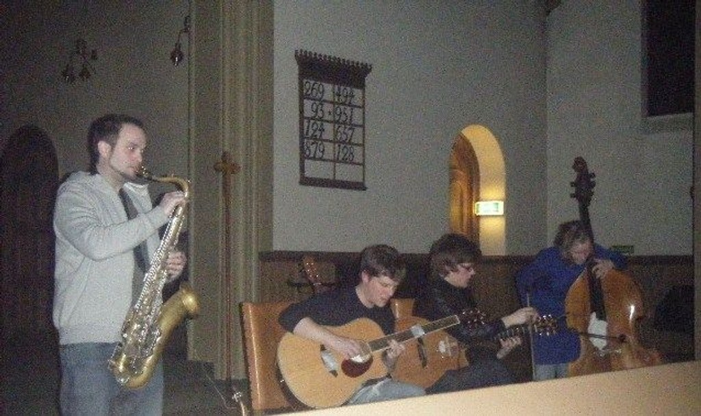 Andre Kassen (saksofon), Jørn Erik Ahlsen (gitar), Håvard Skaset (gitar) og Guro Skumsnes Moe (kontrabass)