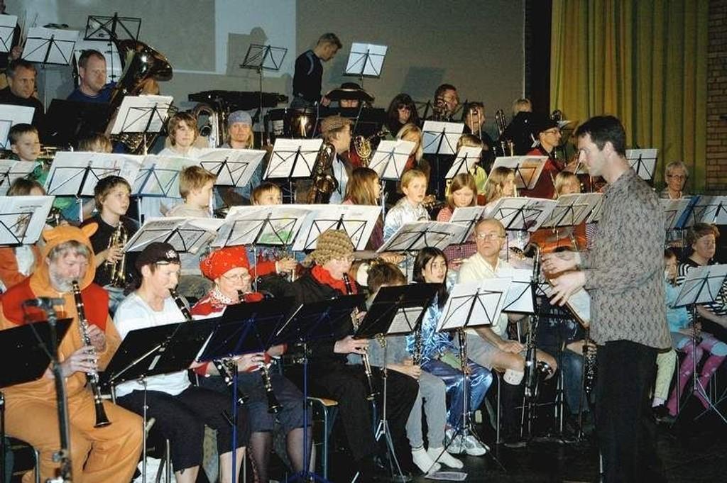 Rundt 1500 musikanter vil finne veien til Folkets Hus på søndag.