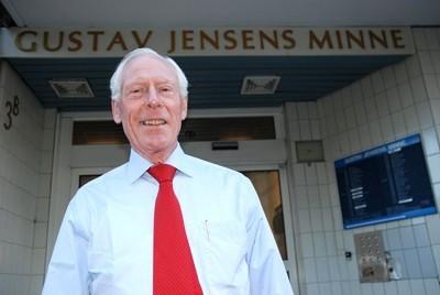 Hans Høeg Henrichsen vil at Gustav Jensens minne skal gjøres om til Omsorg + boliger.
