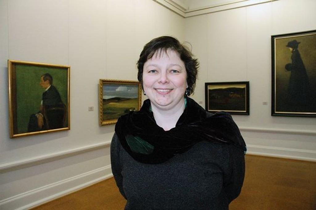 Ellen Lerberg skrev magisteroppgave om Anders C. Svarstad (maleriet til venstre) som var gift med Sigrid Undset. Foto: Ida Schmidt Nygaard