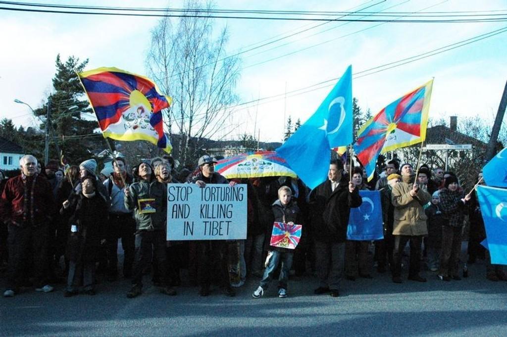 Medlemmer av en norske Tibet-komité og Amnesty International.