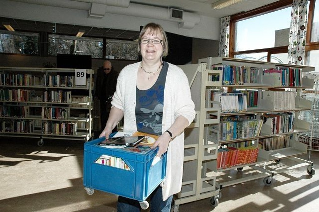 "Päivi Särkelä og andre ansatte pakket i påsken sammen det gamle biblioteket i ""Skomakergata""."