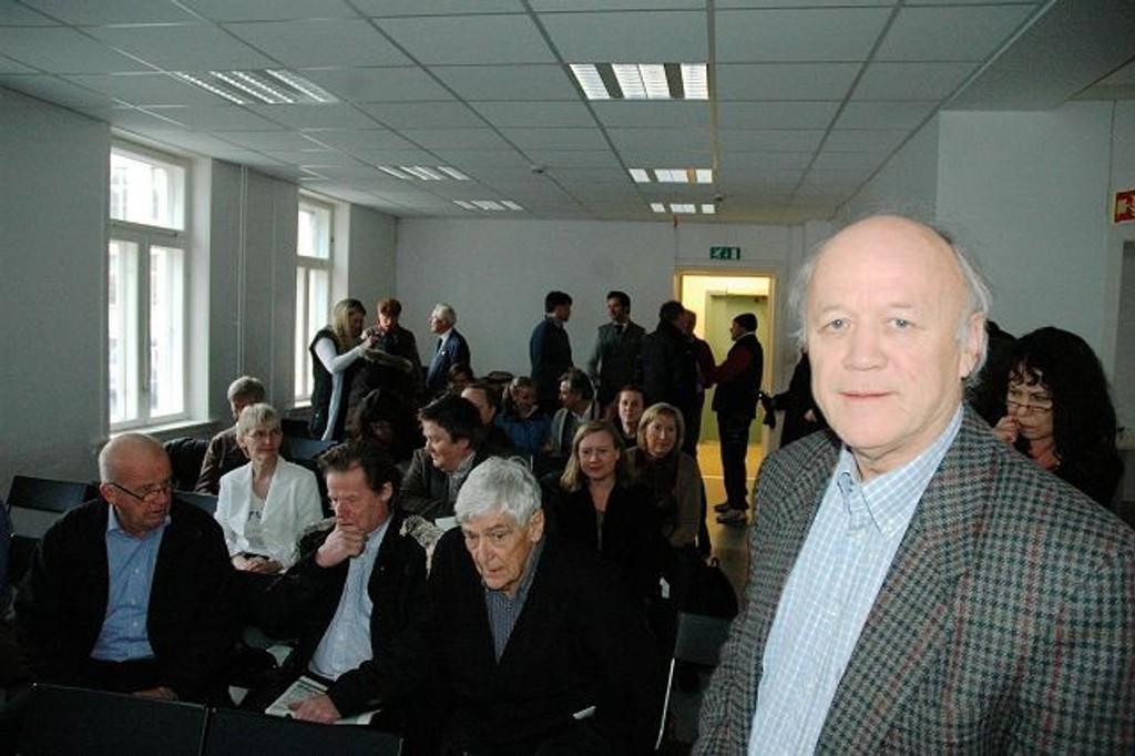 JA TIL BILER: BU-leder og Høyre-politiker i Frogner bydelsutvalg på møte om Frogner stadions fremtid. FOTO: IVAR BRYNILDSEN