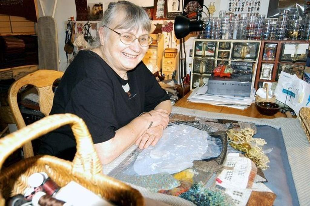 Bente Odner har hatt flere separatutstillinger og vært med på gruppeutstillinger.