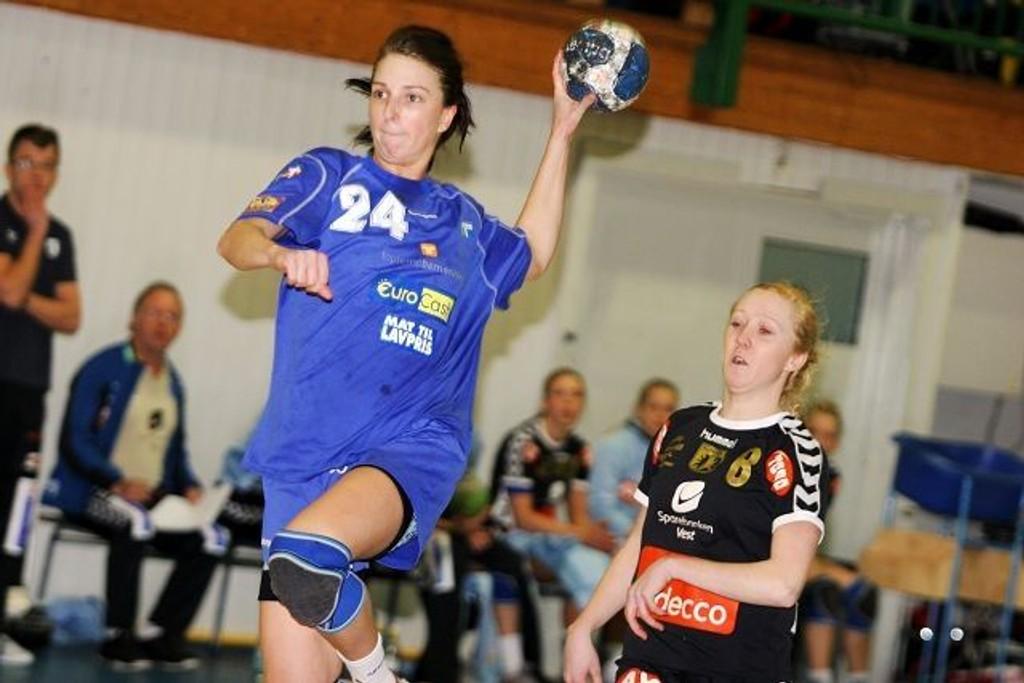 God kamp: Ode Hellenes Ekre spilt bra mot Årstad, og scoret åtte mål fra høyrekanten.