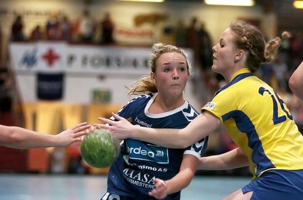 Martine Blomqvist (til v.) kom på talentlaget sammen med BSKs Christina Solheim Andersen.