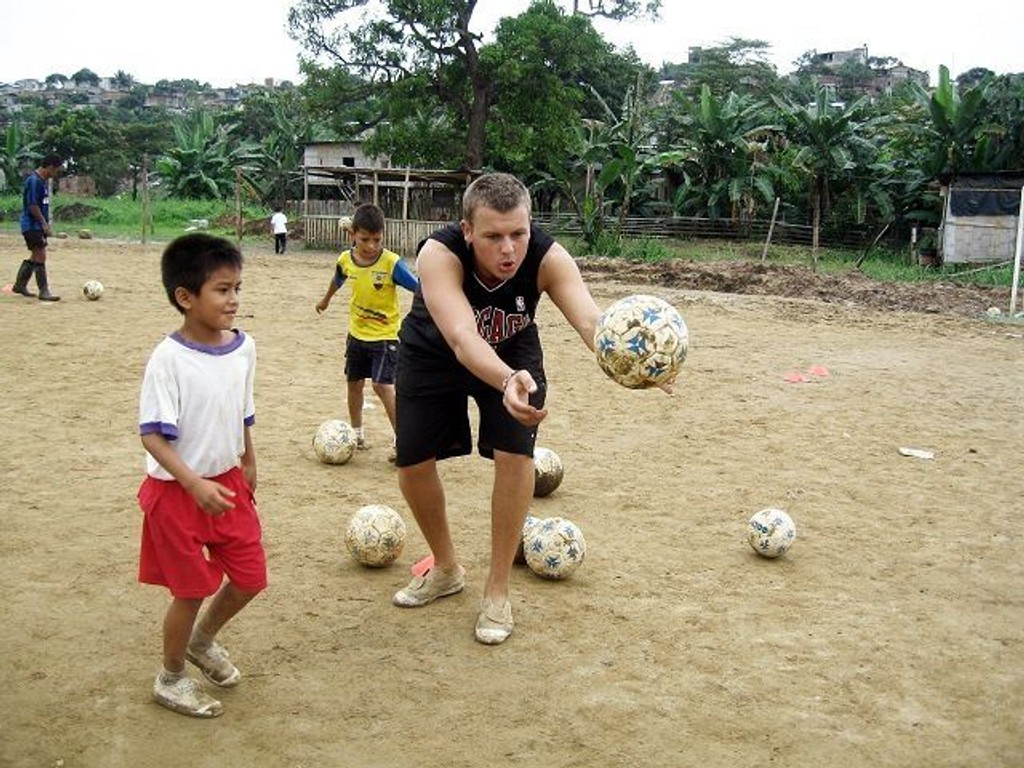 I fem måneder har Knut-Helge Fjeldstad jobbet for Misjonsalliansens fotballprosjekt i Ecuador. Prosjektet aktiviserer barna og unge etter skoletid.