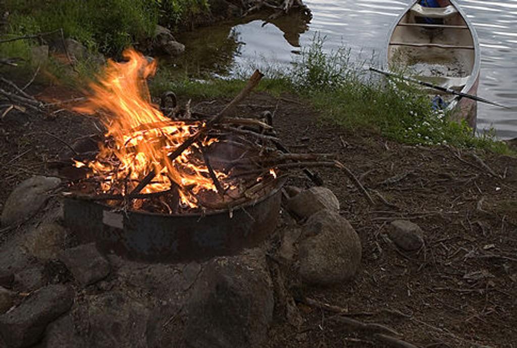Fra i morgen kan bål kun tennes på godkjente ildsteder.