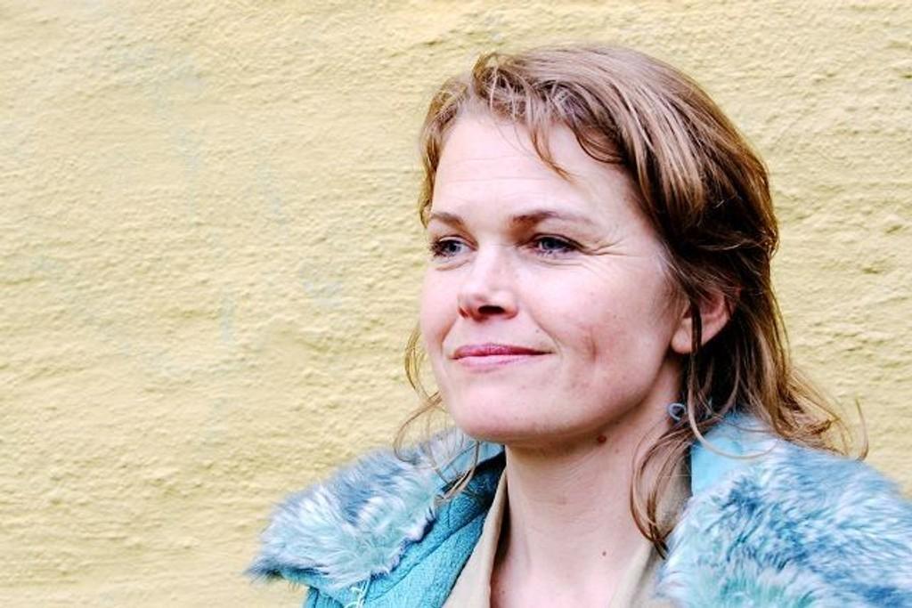 LEVER HER OG NÅ: Elin Furubotn besøker Kulturkirken Jacob lørdag.FOTO: NILS SKUMSVOLL