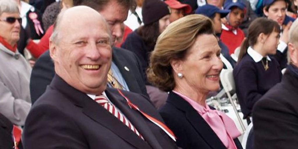 Kong Harald og dronning Sonja besøker Bydel Vestre Aker 17. mai.
