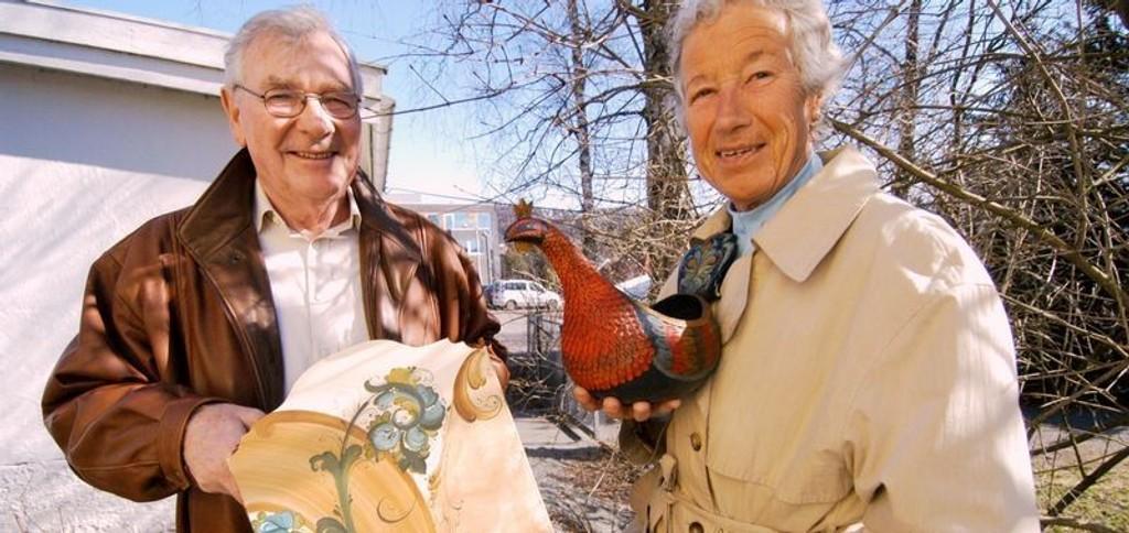Medlem i styre i Røa Kunstforening John T. Sviland og Netten Grav håper på godt oppmøte. Foto: Elisabeth c. wang