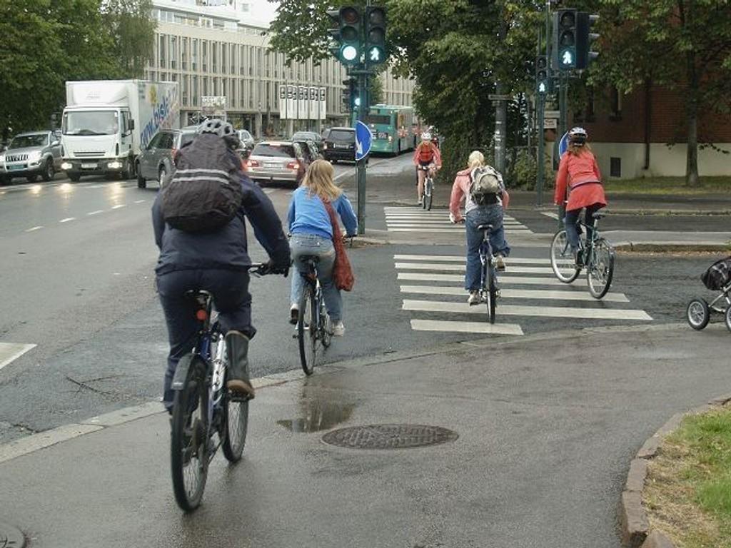 Sykling i by byr på utfordringer.