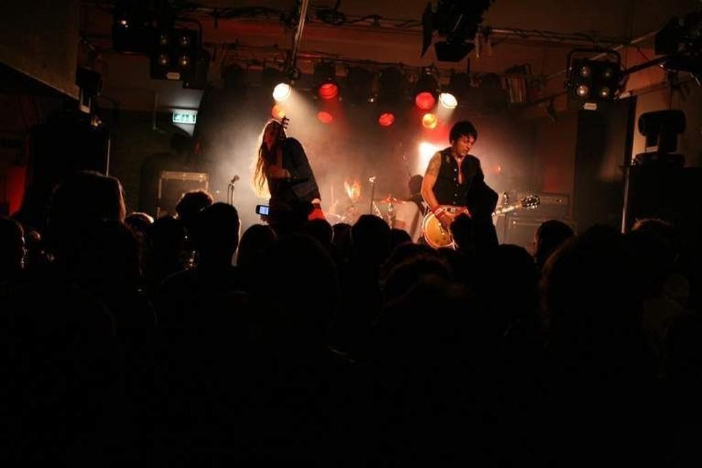 Captain Poon fra Gluecifer med sitt nye band, Bloodlights sto på scena under årets by:Larm