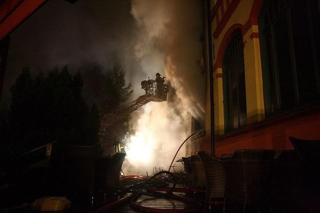 Jeppe-kjelleren skal være totalskadd etter brannen.