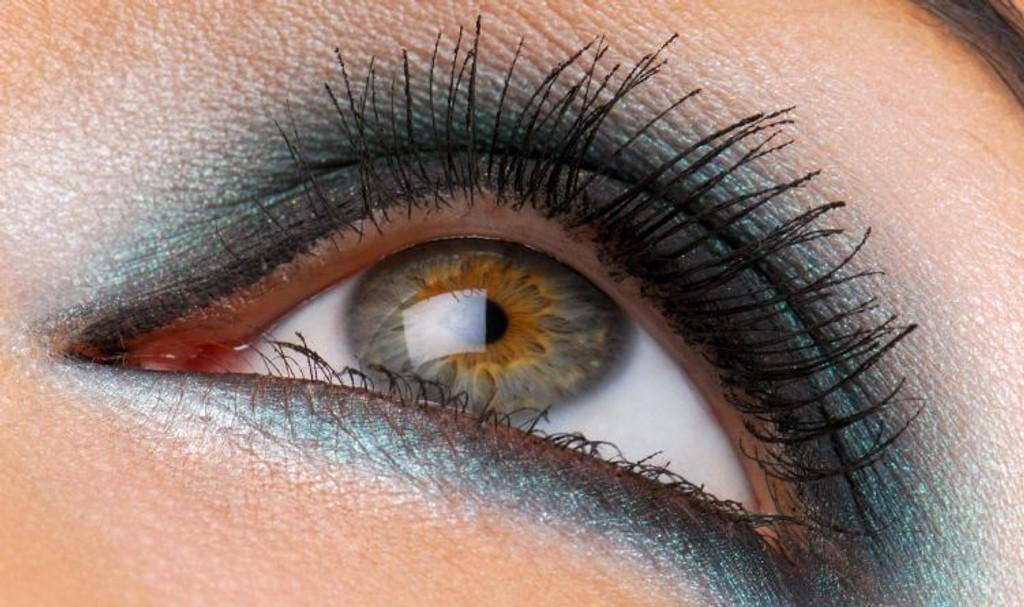 SMINKE: Lær deg å sminke øynene dine i flere forskjellige stiler!
