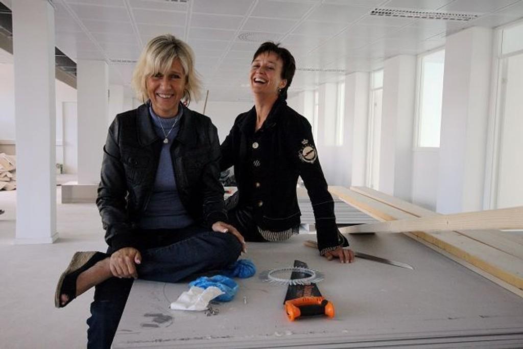 Det er hektiske dager for Heidi Udnæs og Ann Kristin Huseby på Imente fagskole. FOTO: HEGE BJØRNSDATTER BRAATEN
