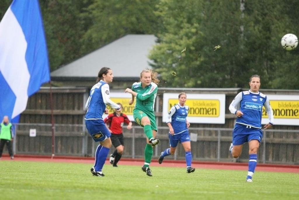 Maria Arnesen scoret MS' mål på et langskudd.