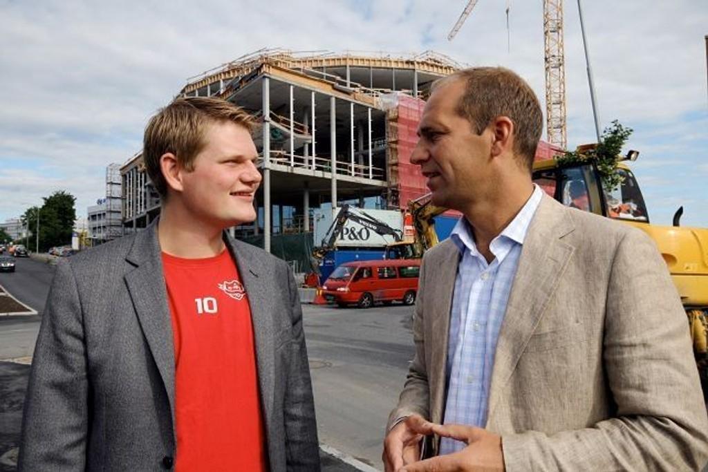 Andreas Behring (SV) t.v. og Knut Even Lindsjørn (SV) ønsker studentboliger i nye byggeprosjekter FOTO: HEGE BJØRNSDATTER BRAATEN