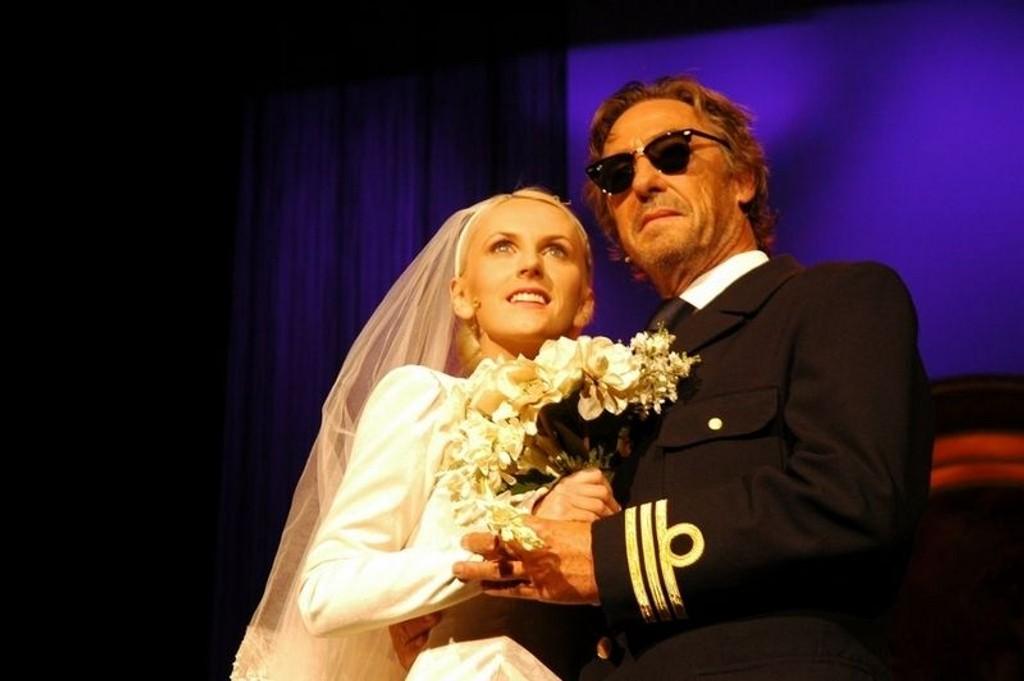 "Maria Arredondo og Bjørn Skagestad har hovedrollene i ""The Sound of Music"" på Edderkoppen i høst."