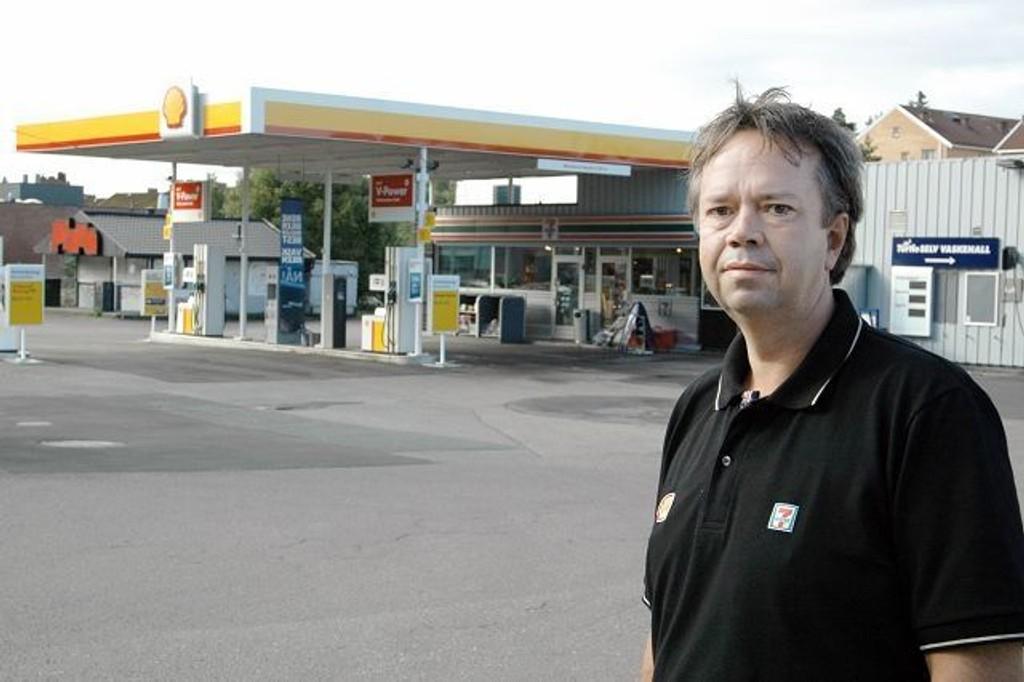 Bård Vilming, som har hatt bensinstasjonen på Lambertseter i snart 20 år, har nå blitt Shell-mann.