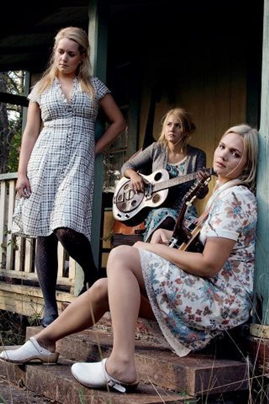 FLINKISER: Søstrene Greta, Stella og Sunniva Bondesson utgjør Baskery. FOTO: PROMO