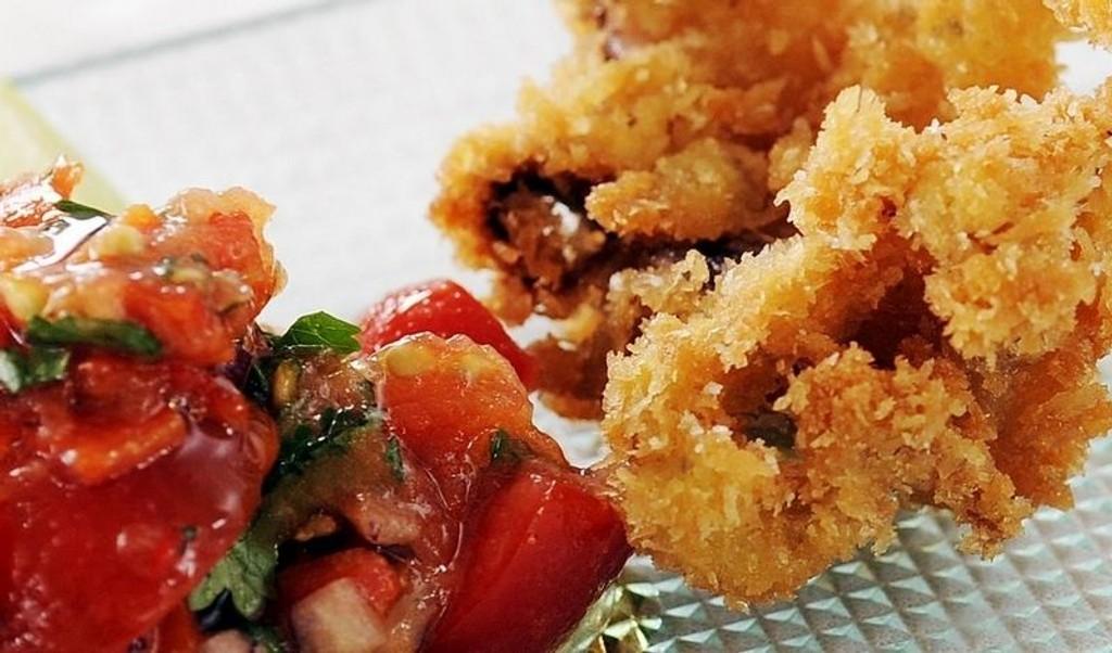 VIN: Til sprø blekksprut med tomat-koriandersalsa velger jeg en soave. velger jeg en soave.