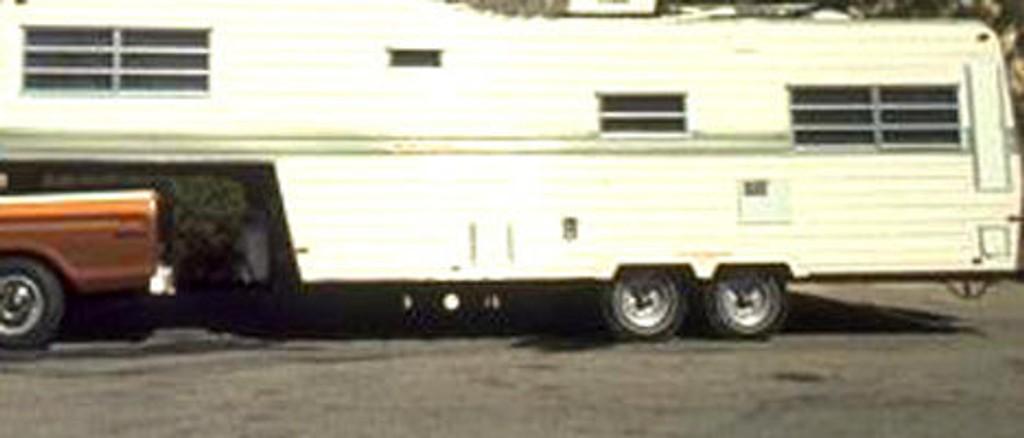 Norsk Caravan Club mener campingbiler og bobiler kan være en løsning på mangelen på studentboliger.
