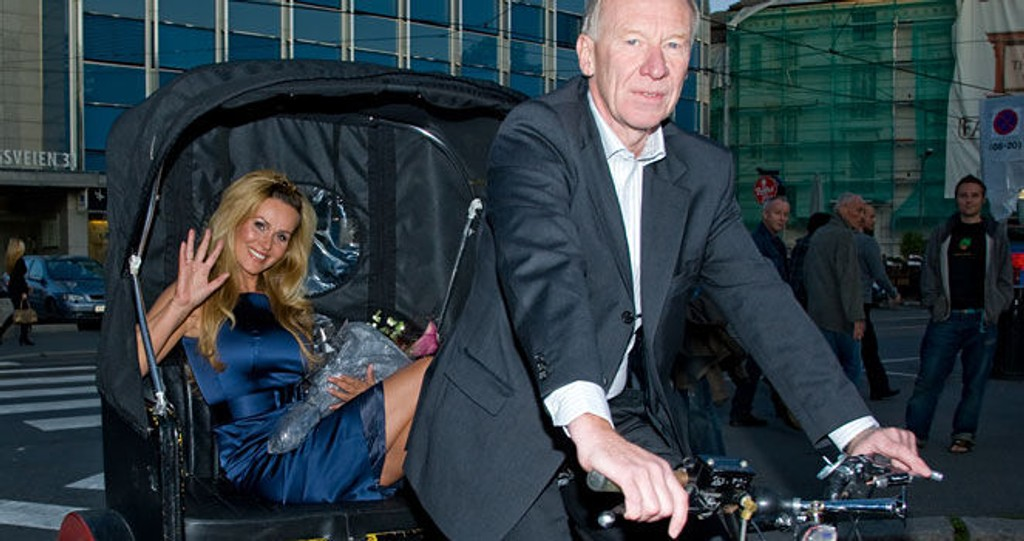 VAKKER: Glamorøs som alltid entret God Kveld Norge-programleder Dorthe Skappel 10 års festen i en kjole fra Hugo Boss.