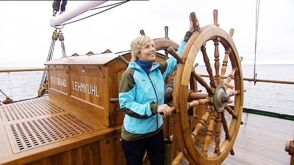 Norge Rundt er i full rulle på NRK. Programlederen er ingen ringere enn Anette Skafjeld fra Stovner. Her under første innspilling.FOTO: Nrk