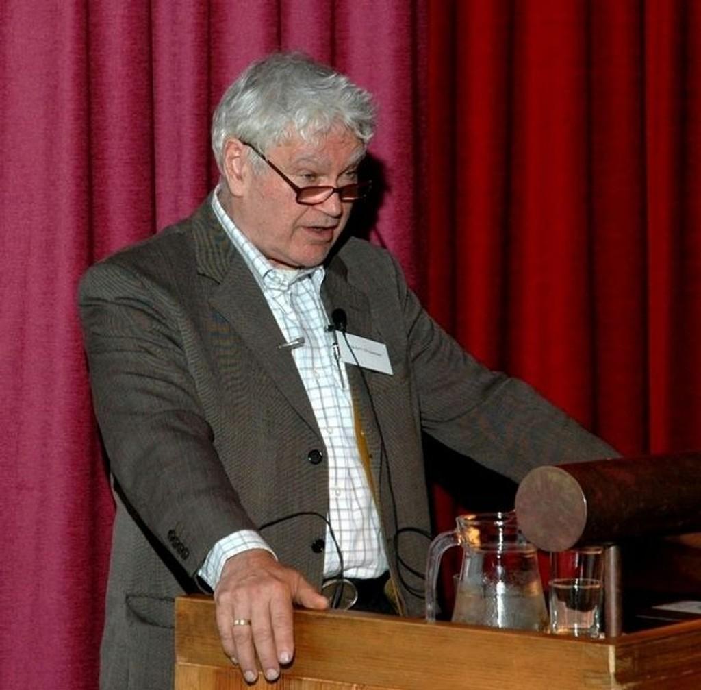 Arne Emil Christensen