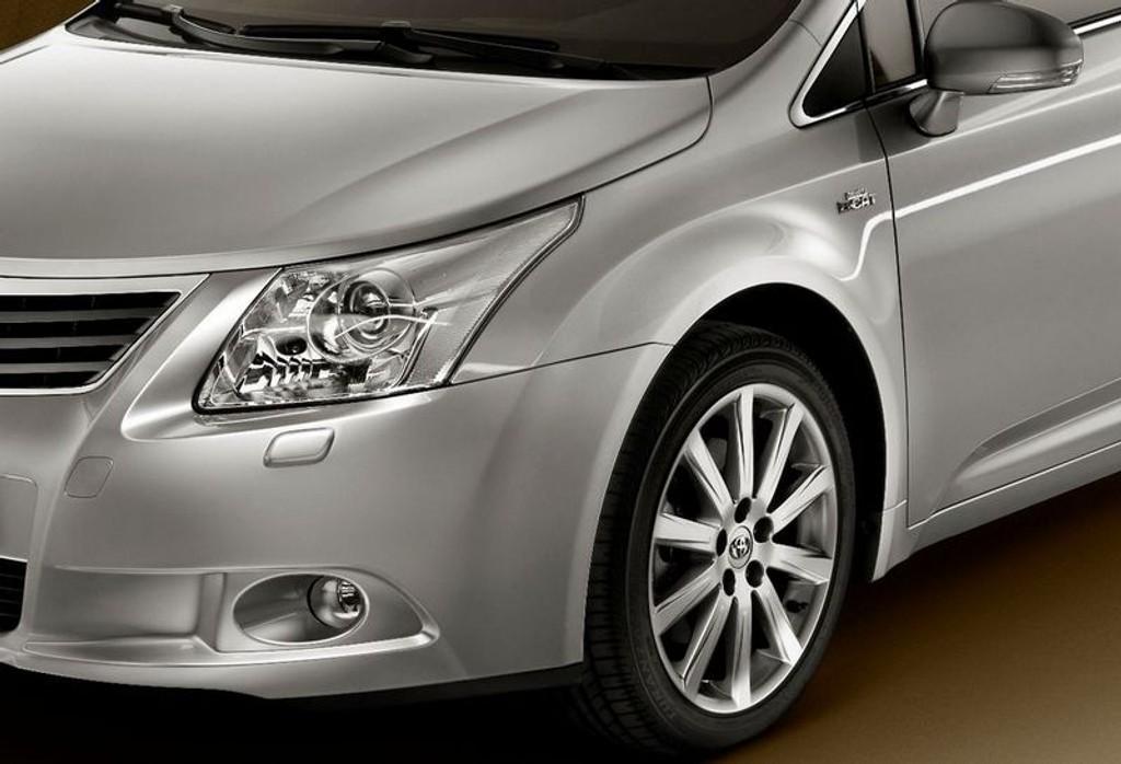HØST: Mange gode nyheter i vente - som Toyota Avensis.